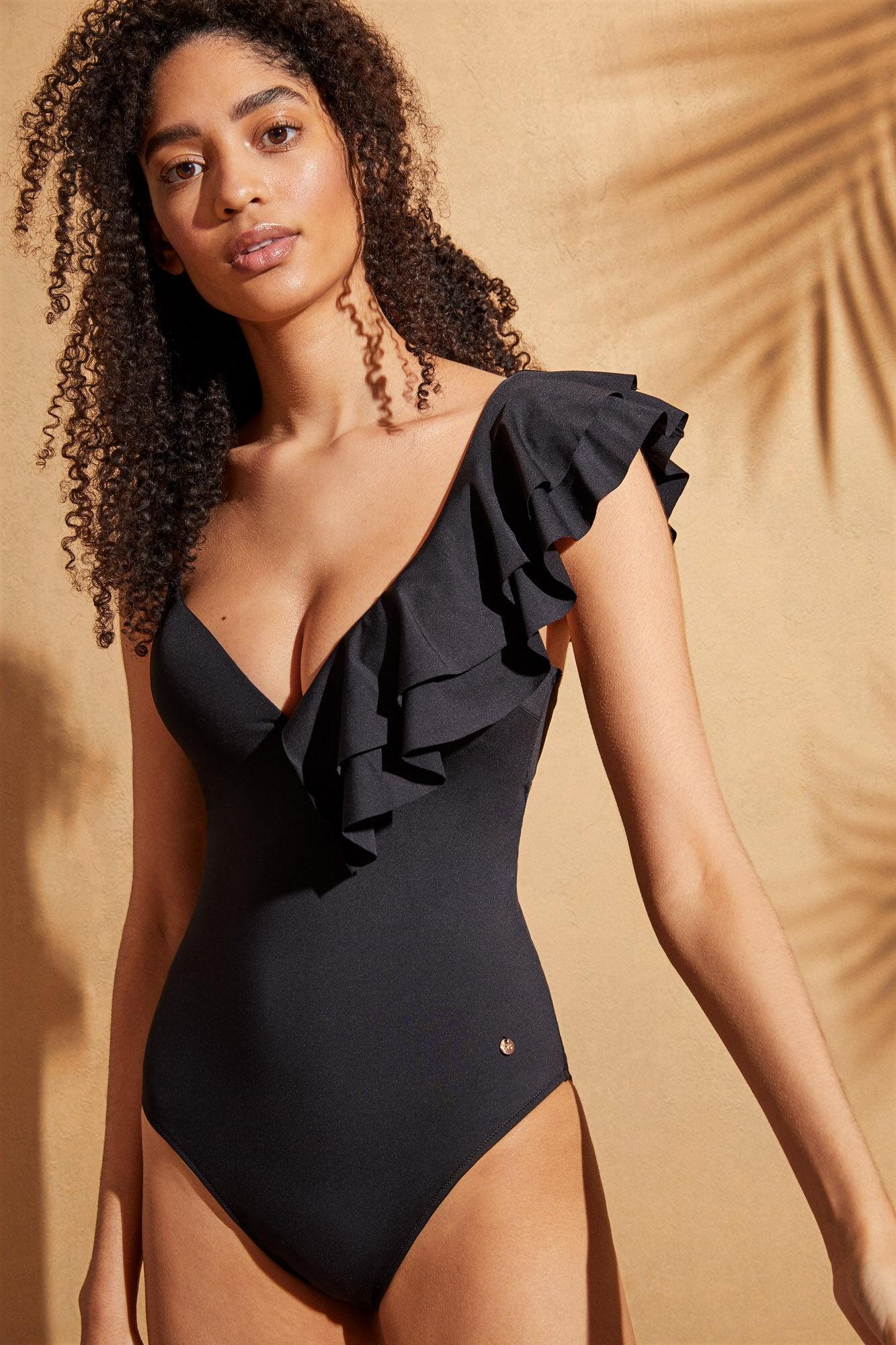 2021 trendy black swimsuits for women